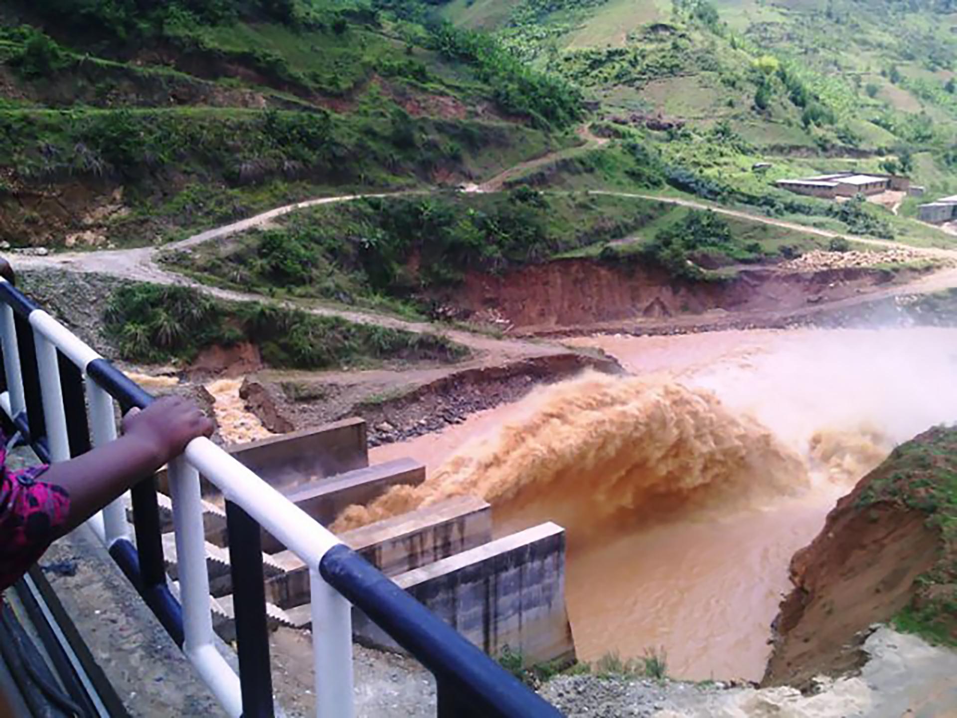 Rwandan youth takes lead in Nyabarongo watershed protection