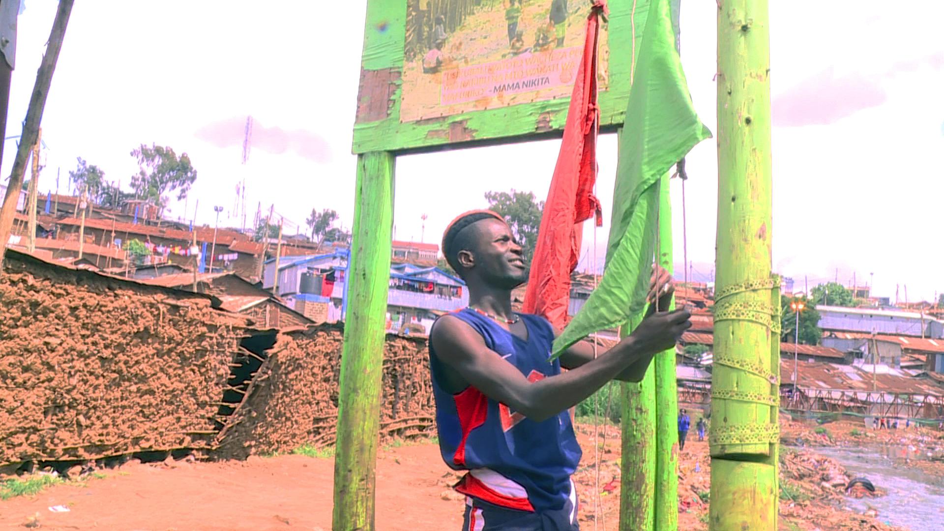 Kenya: Warning Kibera residents of floods using flags, Whatsapp and Facebook forecasts